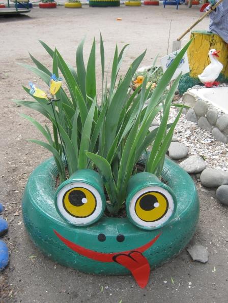 Поделки для украшения участка в детском саду летом